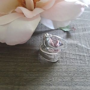 Premier Jewelry Silvertoned adjustable ring